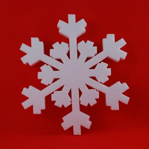 Wycięty płatek śniegu z eps (styropianu)